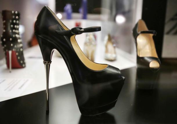 Killer Heels Mostra Tacchi Che Uccidono America Stati Uniti