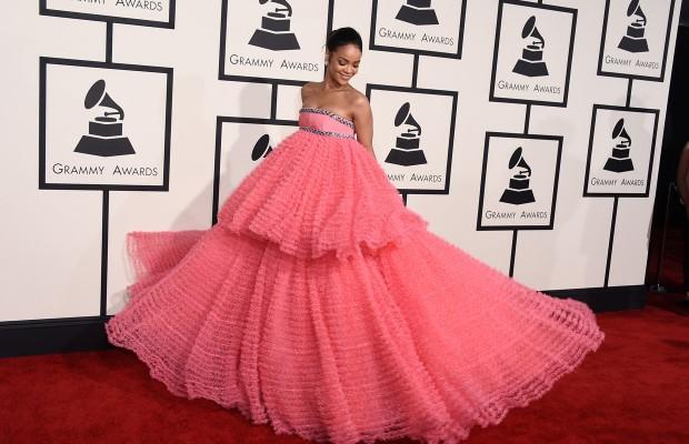 Matrimonio Gipsy Stilista : Siamo tutti critici di alta moda da sanremo ai grammys
