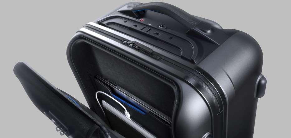 Bluesmart-la-valigia-che-si-pesa-da-sola-aperta