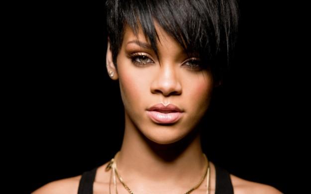 Ragazze Frangia Problemi Capelli Vento Soluzioni Rihanna