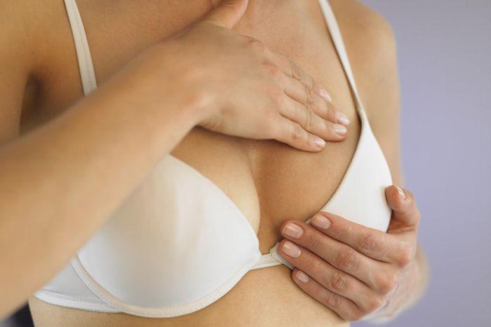 ragazze con il seno piccolo vantaggi