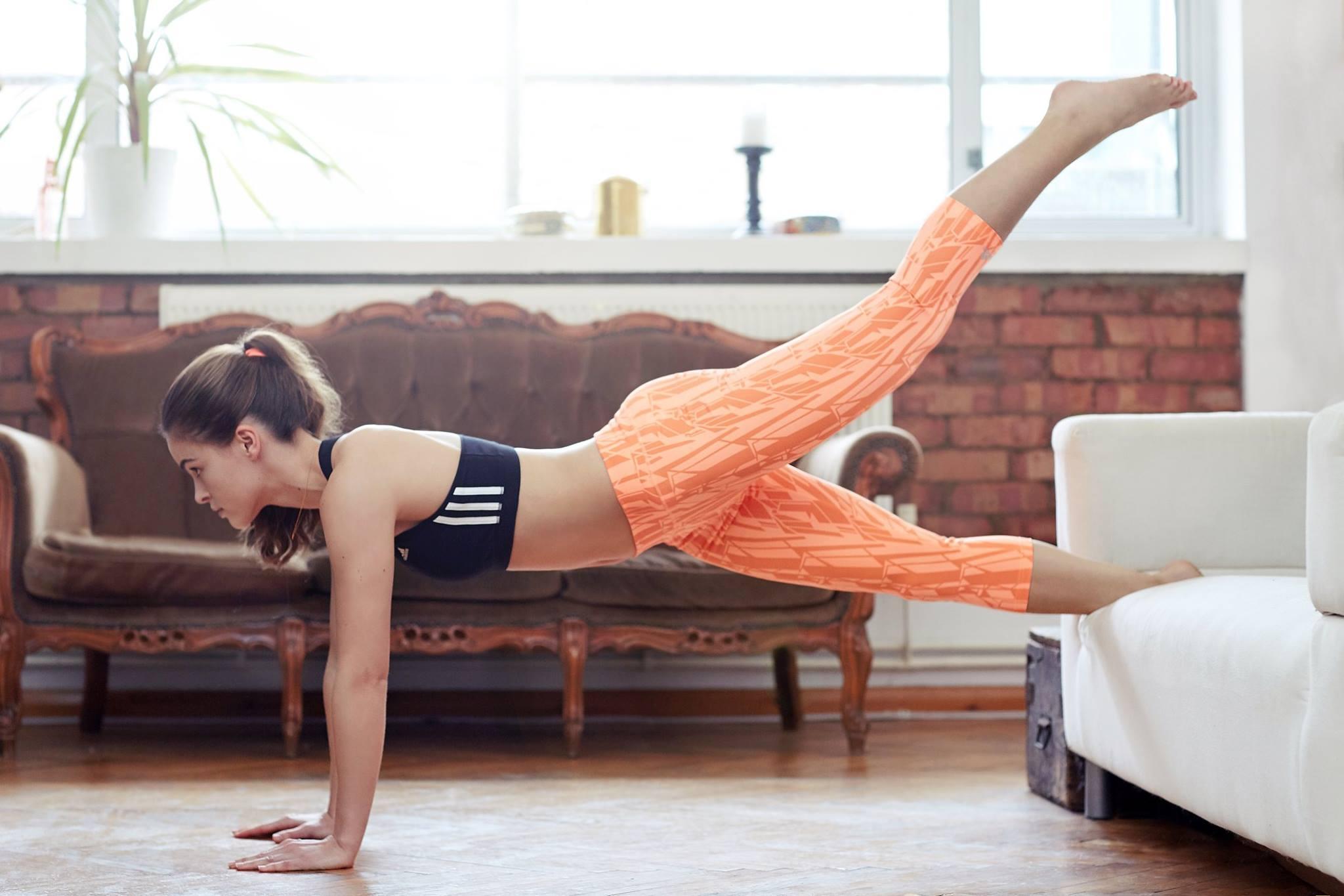 Gli esercizi fitness da fare a casa mode - Palestra a casa esercizi ...