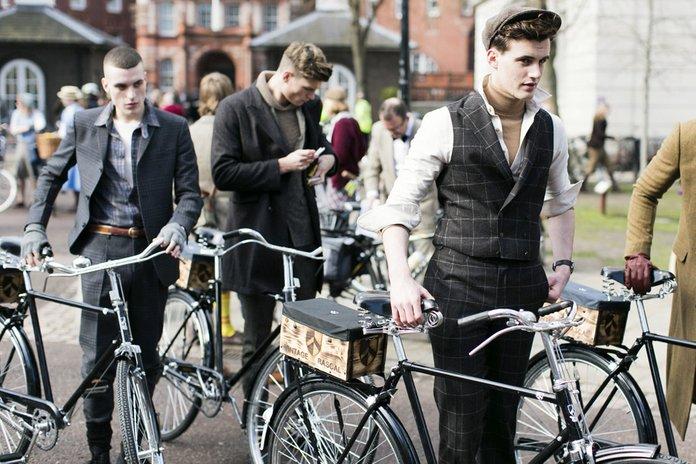 Tweed Ride Evento Milano Lombardia Italia Bicicletta Pedalare Stile