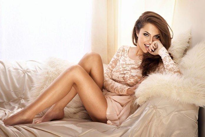 Tendenza Pizzo 2014 Total Look Dettagli Applicati Outfit High Low Cost Zara Blugirl Emanuel Ungaro