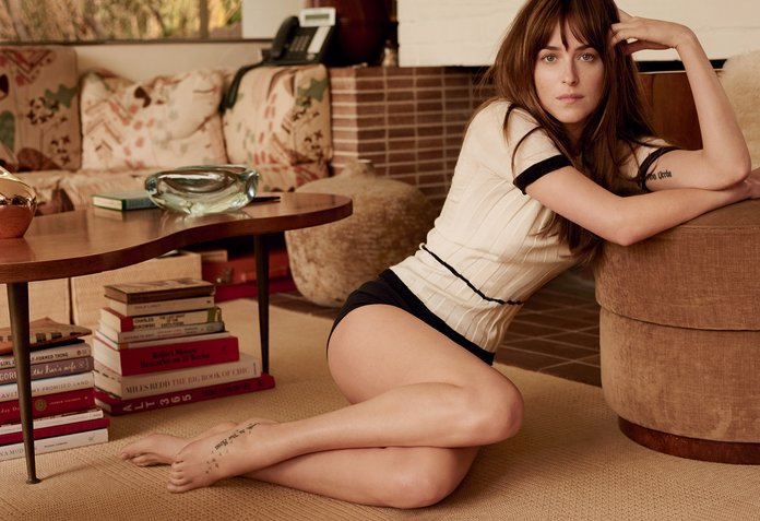 Dakota Johnson Vogue 50 Sfumature di Grigio Sexy Provocante