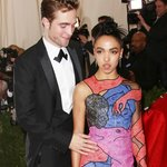 Abito FKA Twigs Met Gala 2015 Robert Pattinson