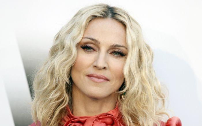 capelli rosa di madonna rebel heart